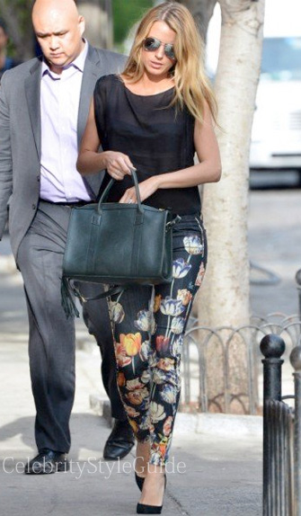Blake-Lively-In-Black-Floral-Jeans
